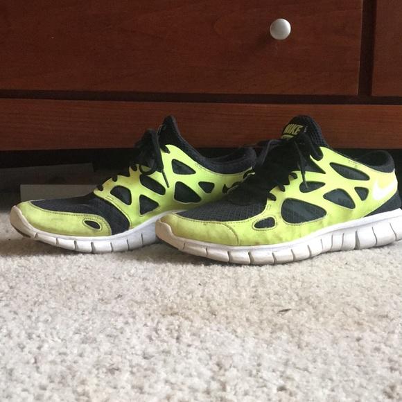 premium selection 67103 20476 Neon Yellow Nike Free Run 2 Shoes